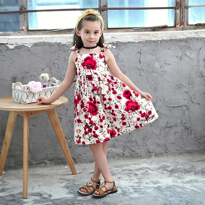 Đầm hai dây họa tiết hoa cho bé gái.