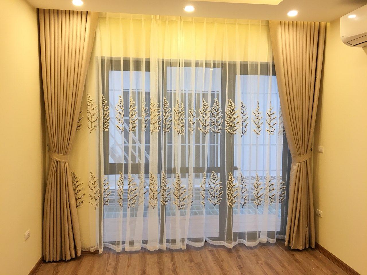 Mẫu rèm cửa chính một màu sang trọng, hiệu quả - Rèm cản sáng tốt