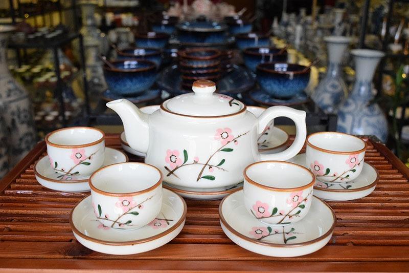 Bộ ấm trà Bát Tràng Vẽ Hoa Đào 500ml - Cửa hàng gốm sứ Bát Tràng