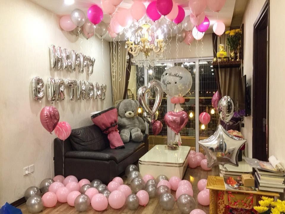 Trang trí sinh nhật lãng mạn tại phòng khách