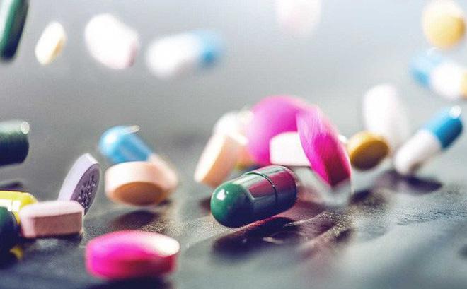 """Dược sĩ khuyên nguyên tắc uống thuốc """"thấp – ít"""": Ai cũng nên làm để giảm  tác dụng phụ - Kênh y tế Việt Nam"""