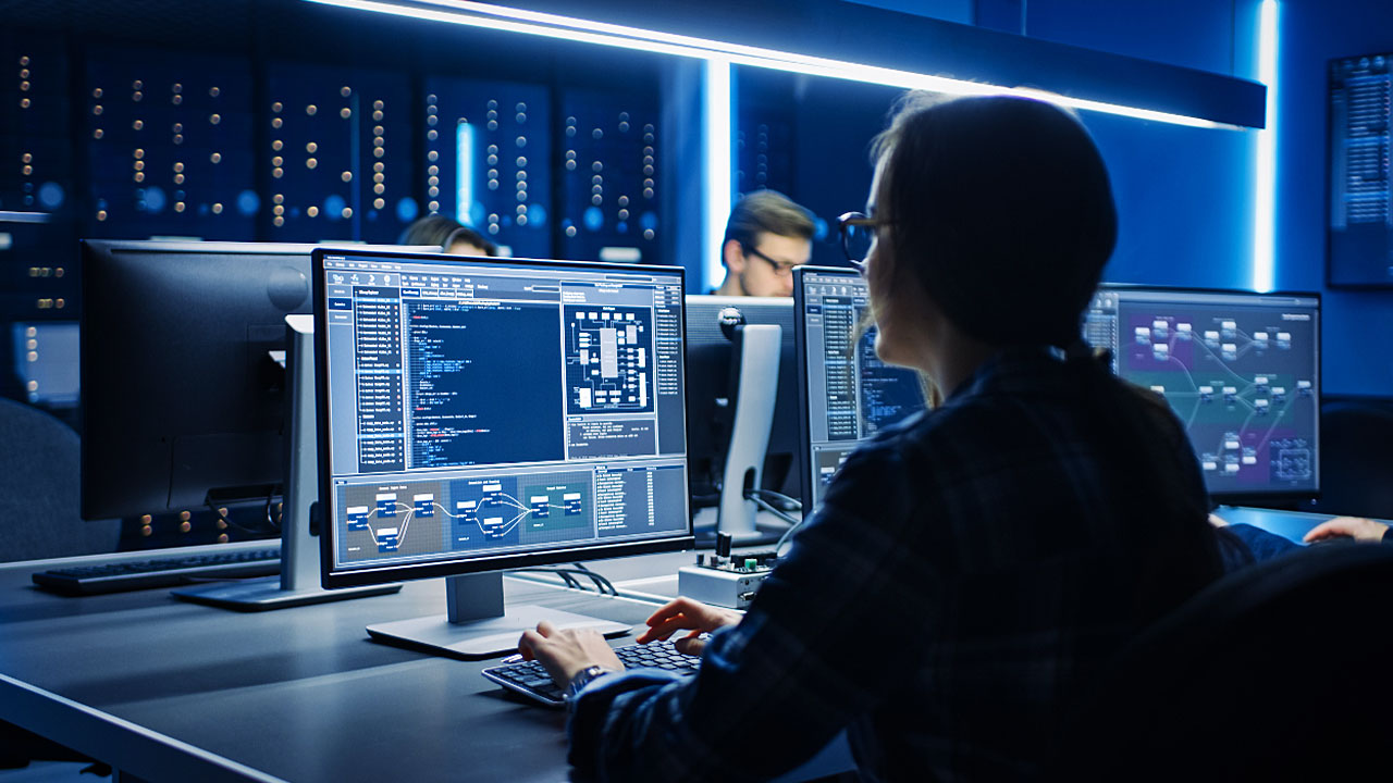 3 Reasons to Consider a Career as a Network Administrator