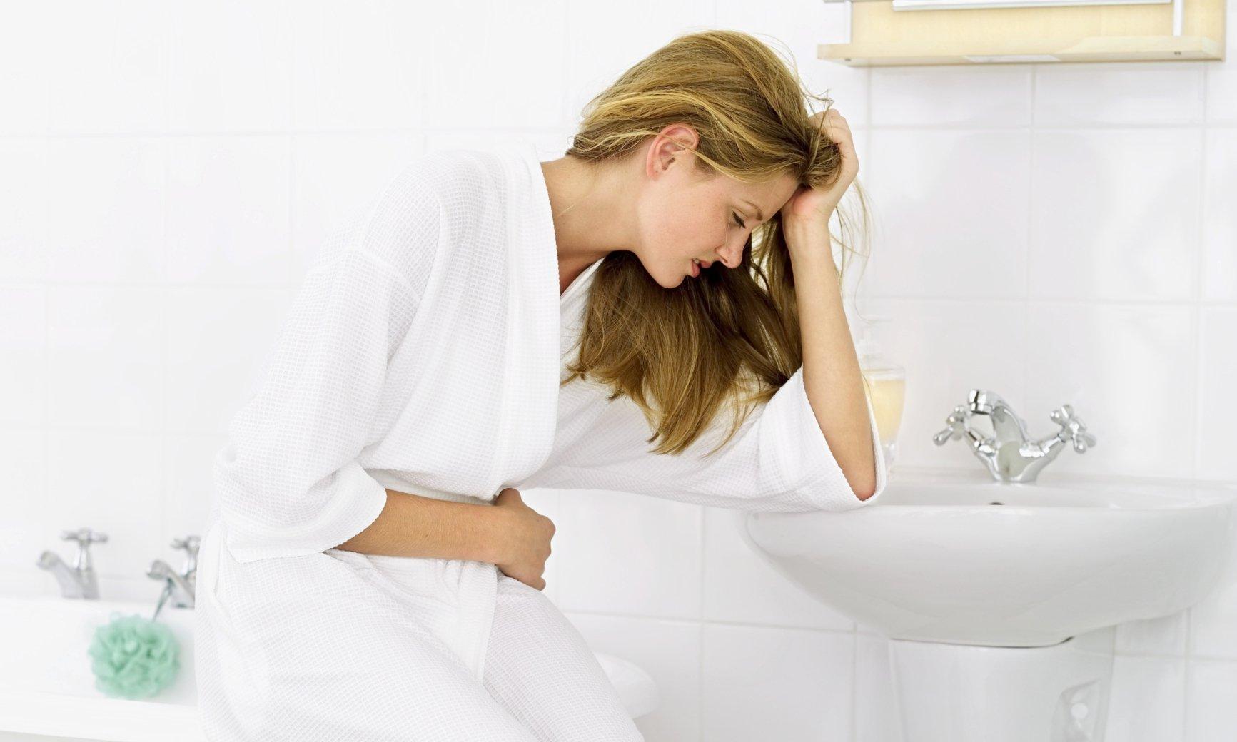 Đi tiểu (đái) buốt là bệnh gì? Dấu hiệu ở nam và nữ giới